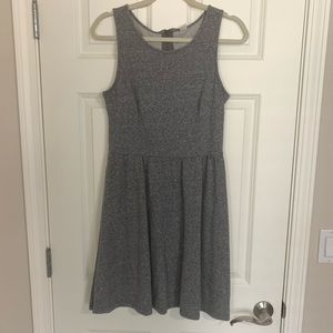 Great condition Old Navy M gray dress with zipper